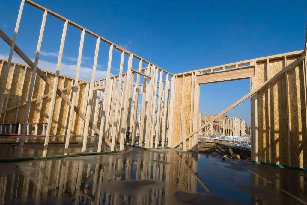 préfabrication bois pluie construction ossature